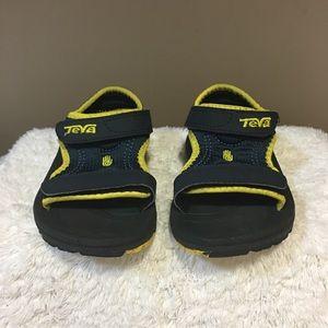 Teva baby little kids sandals size 8